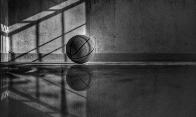 Acomodarea cu mingea de baschet